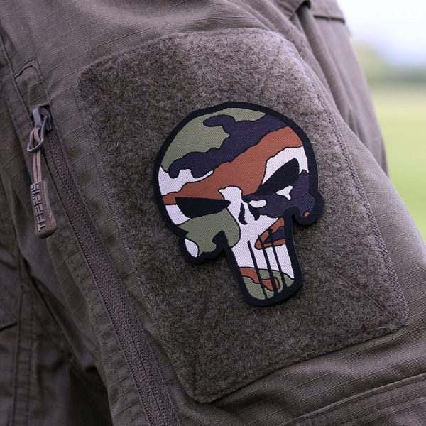 , Fostex Embleem stof fijn geweven Punisher Woodland #7143, deDump.nl